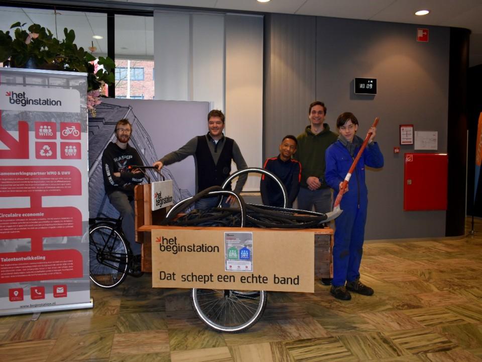 dat schept een echte band bakfiets fietskar stadskantoor helmond